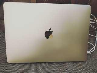 🚚 MacBook Pro 2017  九成新 保固內