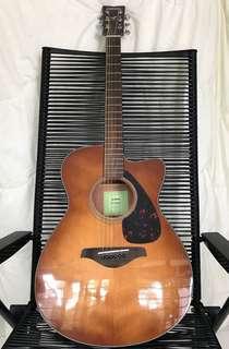 Yamaha FSX 800C accoustic guitar