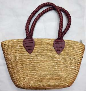 Great quality Native bag with leather handle