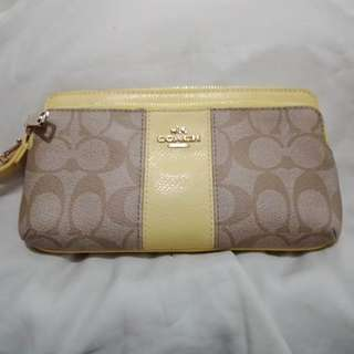 AUTHENTIC BRAND NEW COACH ZIPPERED WALLET