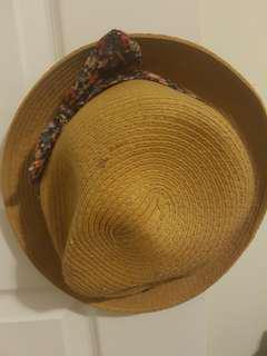 Aritzia hat (s/m)