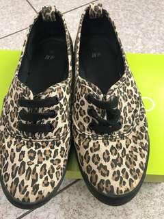 🚚 H&M鞋