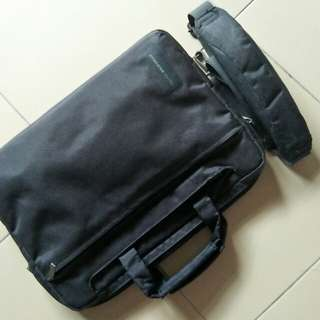 TUCANO Slim Laptop Bag