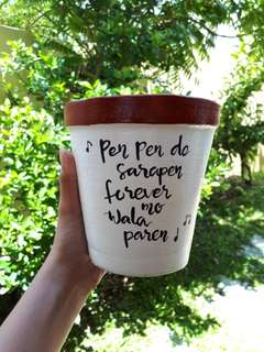 Plant pots with quotes