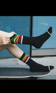 Kaos Kaki Rainbow (Black)