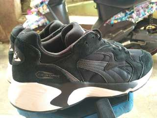 Puma shoes good condition size 44