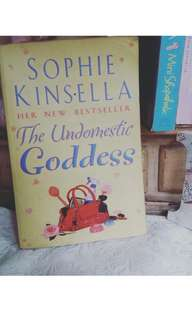 The Undomestic Goddess (Sophie Kinsela)