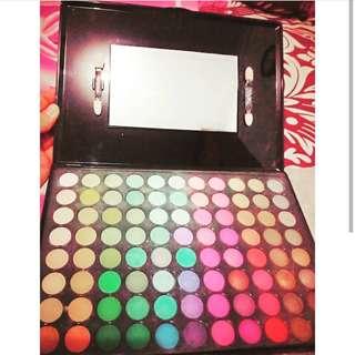 Eyeshadow pallet 88 warna