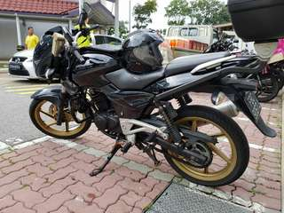 Pulsar 200 - Mint condition - going at just COE price