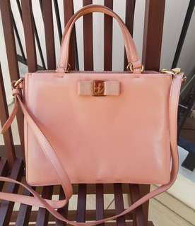 Salvatore ferragamo miss tracy pink