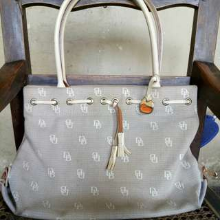 Authentic Dooney and bourke Tote bag