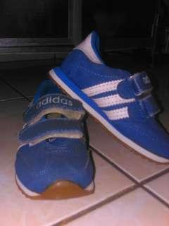 Sepatu anak 2-3 Tahun