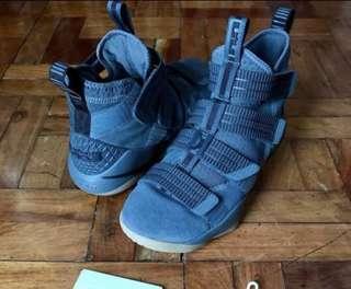 Nike Lebron Soldier 11 XI SFG