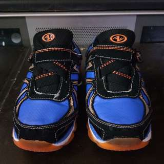 athletic rubber shoes for kids