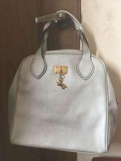 Korean bag.. color silver..