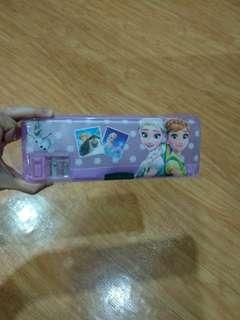 Kotak pensil 2 sisi plus papan tulis frozen