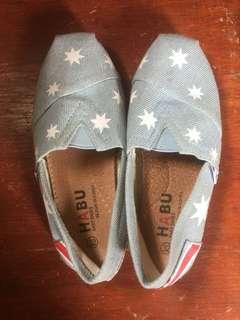 Habu shoes unisex