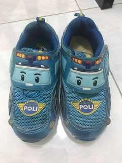 Poli shoe
