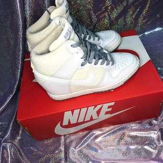 🚚 (二手)8成新 nike dunk sky hi 白色厚底高跟鞋 附盒