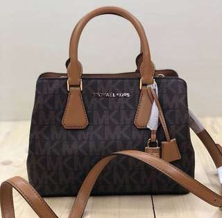 michael kors camille small size 23x18x10