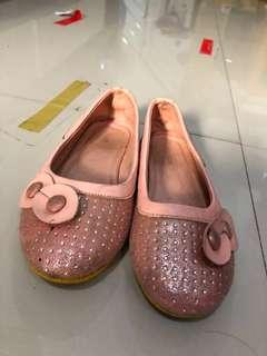 Sepatu anak merk kickers