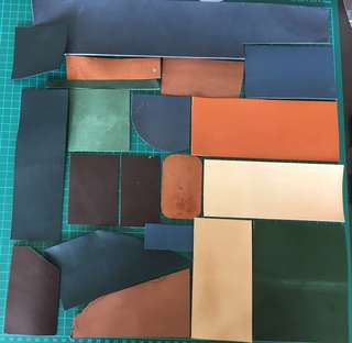 🚚 20 pcs of leather scraps