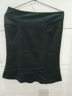 The executive-formal skirt