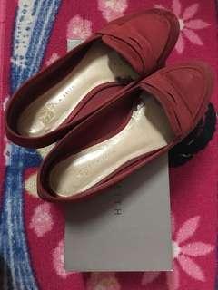 Sepatu flat charles n keith size 37 Ori
