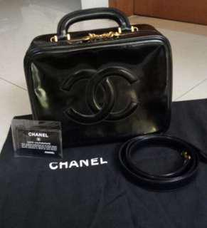 Chanel Vanity Case Black Patent #4