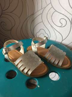 Sandal for baby girl selipar comel for baby girl silver color