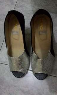 High Heels Hitam/silver