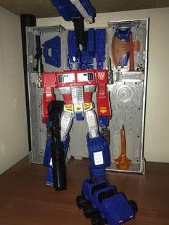 Transformers MP 10 hasbro TRU exclusive