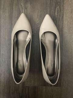 Janeo Nude Low Heels