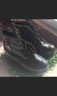 🚚 馬丁靴 黑