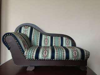MINI VINTAGE STYLE CHAISE LOUNGE FOR KIDS TOYS OR PETS