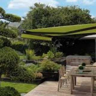 Retractable Motorized Fabric Awnings