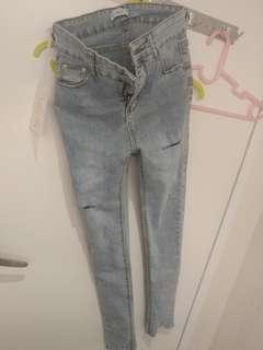 淺牛仔褲。。修身顯瘦