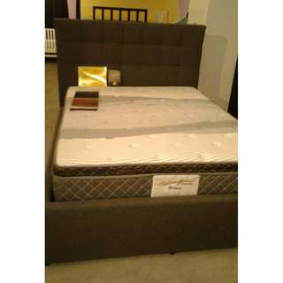 QUEEN BED + PULL PUT BED
