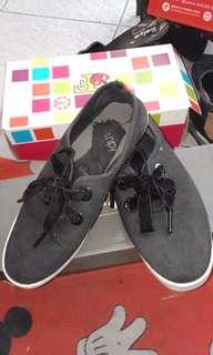 Rubbi shoes