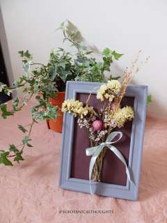 Handmade Dried Flowers Photo Frame