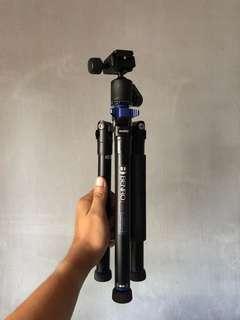 Benro camera travel lightweight tripod
