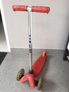 M-Cro Mini 2 Go Scooter