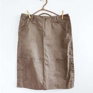 全新品 OL上班風 斜紋布素色側排釦鬆緊腰直筒裙 及膝長 卡其色 L號