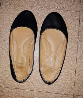 Black shoes (School shoes)