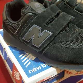 Auth. New Balance Shoes