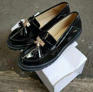 Loafer Shoes / Sepatu docmart repetto glossy