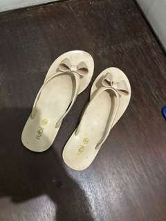 Nude ribbon jelly sandals