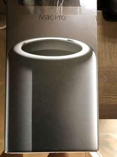 Mac Pro 包裝盒