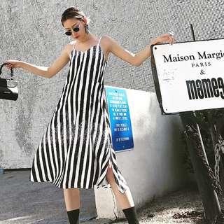 VM 盛夏 歐美條紋 狂野潑墨設計 別緻開叉V領吊帶 顯瘦修身吊帶連身裙