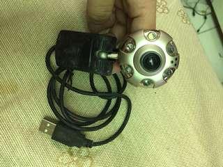 視訊鏡頭-有夜視功能(新品未用-本機正常但夾子故障)